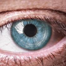 Сухота в очите – на какво се дължи