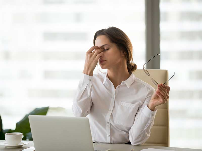 уморени очи от компютър