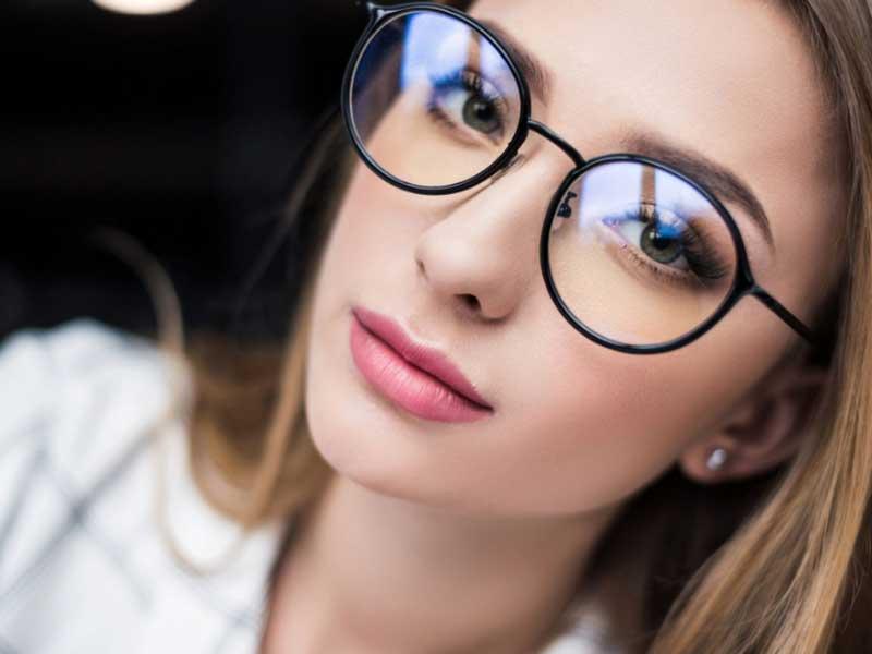 Дегенерация на макулата на окото при млади хора