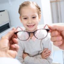 очни проблеми деца